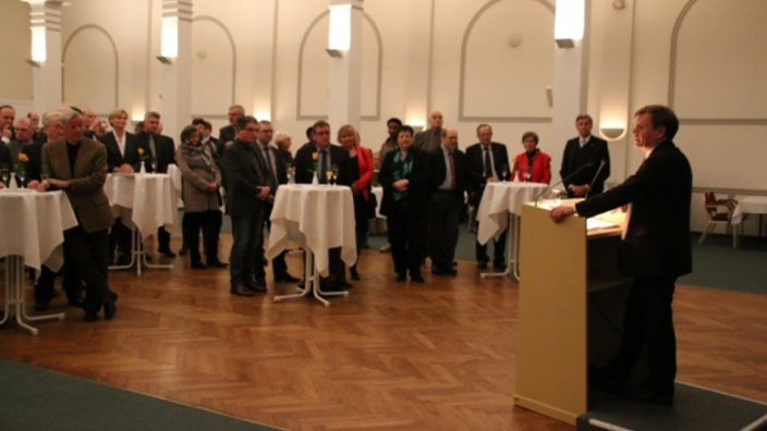 Der Kreisvorsitzende begrüßt die Gäste.